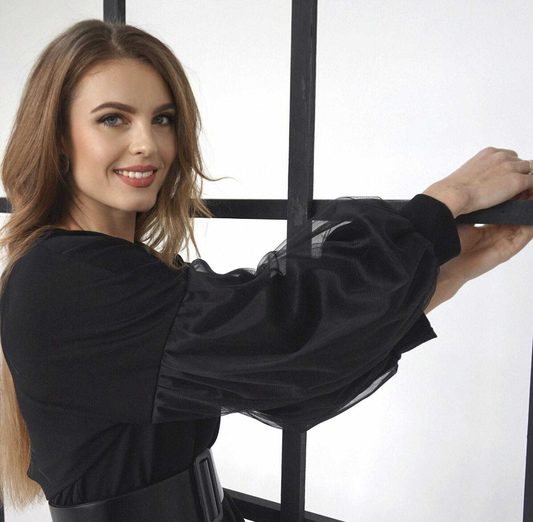 черное трикотажное платье