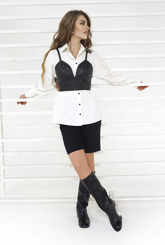 Белая рубашка с черным топом