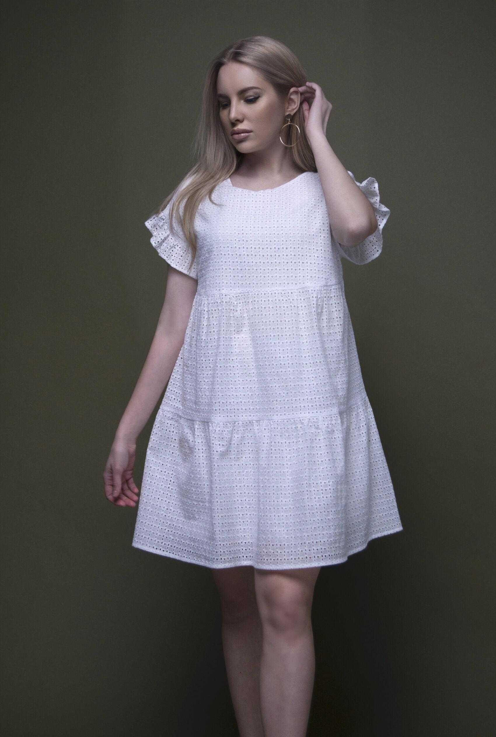 Белое платье из шитья