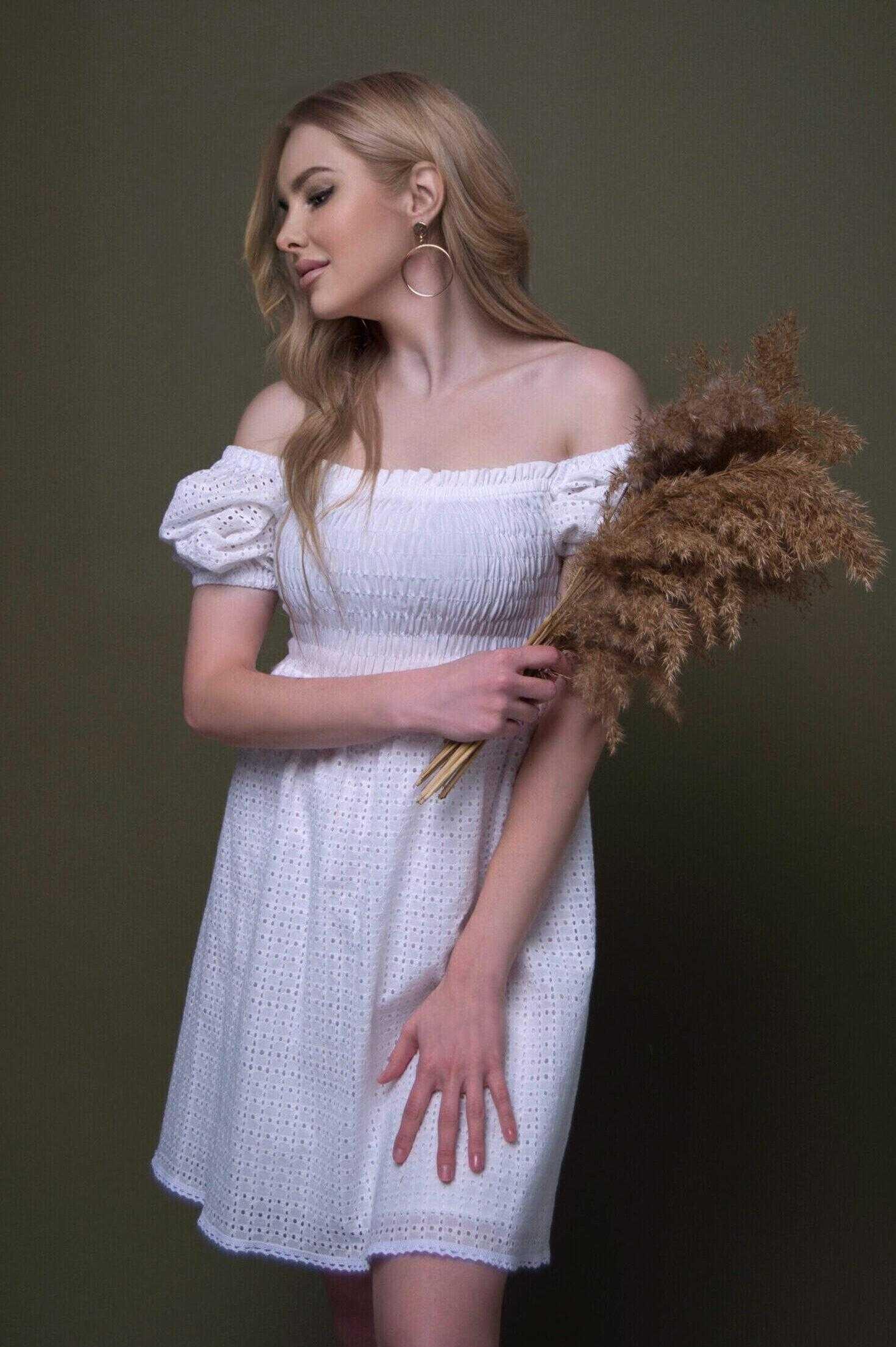 Платье из хлопка белое