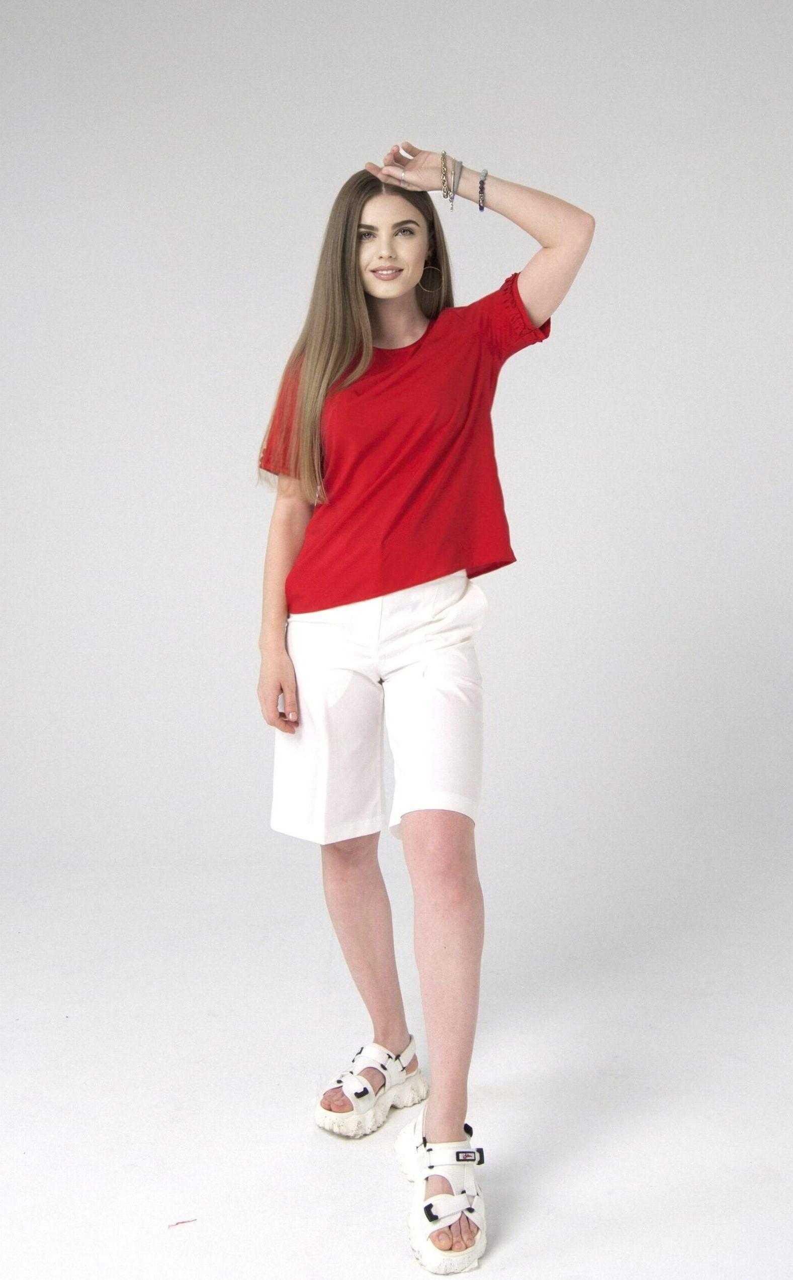 летняя красная блузка